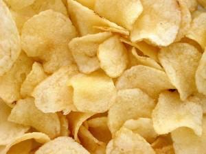 Patate fritte tagliate a chips
